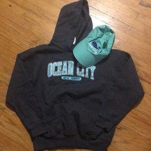 Ocean City cap 🧢 and sweatshirt Large